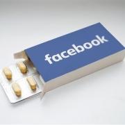 Εθισμός στο facebook κι εξάρτηση. Τι τα προκαλεί