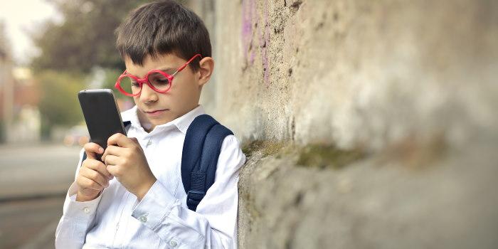 κινητό τηλέφωνο τεχνολογία και παιδί