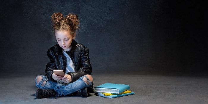 τι επιπτώσεις έχουν τα κινητά τηλέφωνα στα παιδιά