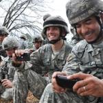 Κινητό τηλέφωνο κι ελληνικός στρατός. Τι ισχύει